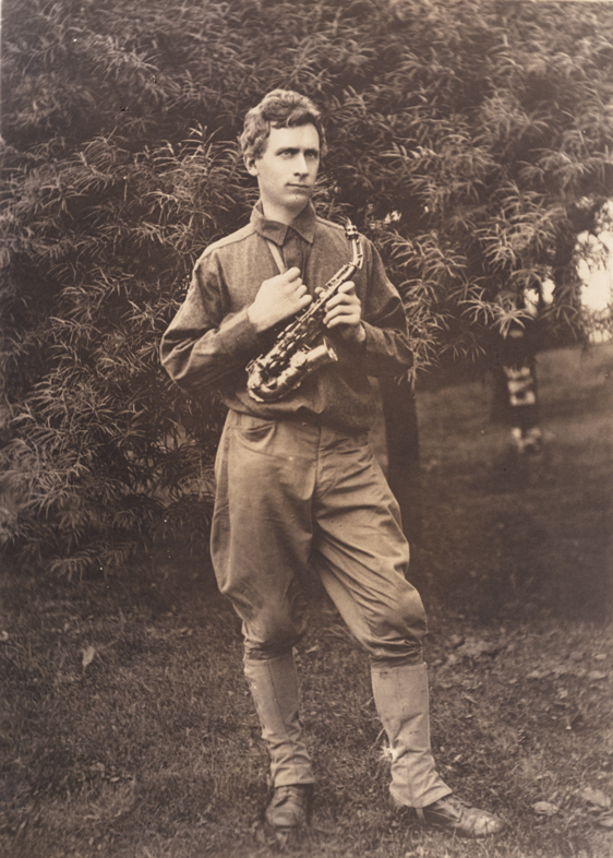Percy Grainger, Fort Hamilton, New York, 1917. Underwood & Underwood (Photographers), New York.