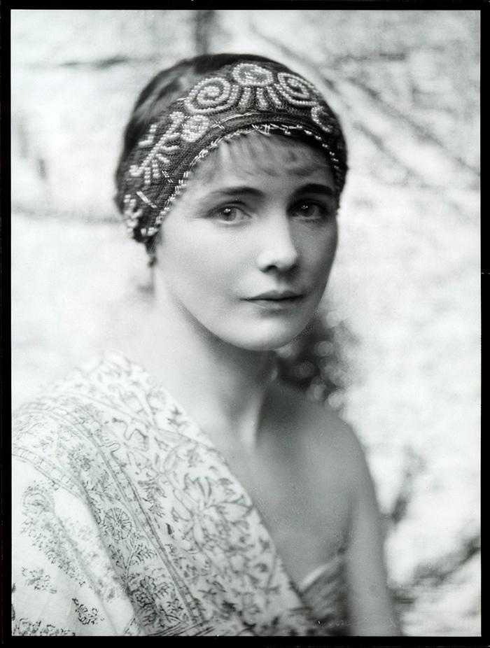 Ella Ström, 1927 (E.O. Hoppė).